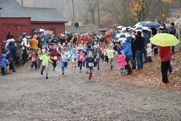 younger-kids-2015-start-RunTheFarm_219-X3