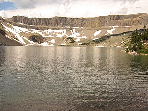 """Snowdrift Lake, """"The Wall"""" in the background.  (from Summitpost.org)"""