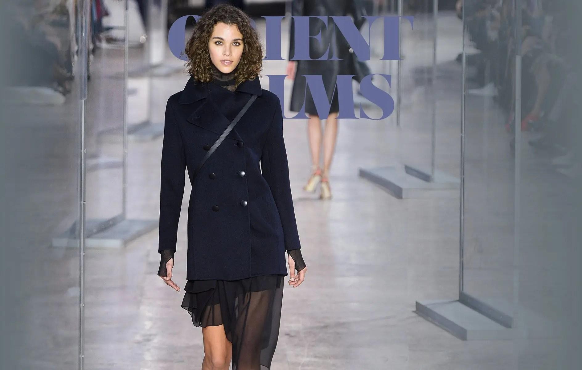 AKRIS Fall Winter 2017-2018 Paris Fashion Week
