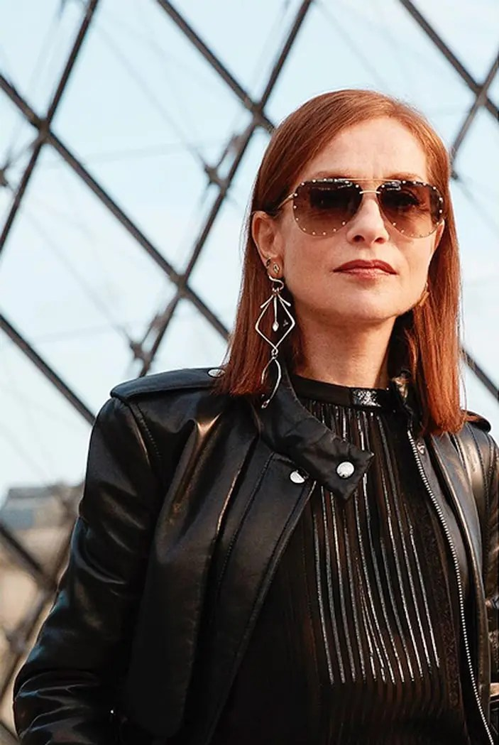 Louis-Vuitton-Nicolas-Ghesquiere-Isabelle-Huppert-PFW-photo-thomaslohrsstudio-eleonora-de-gray-editorinchief-official-runwaymagazine