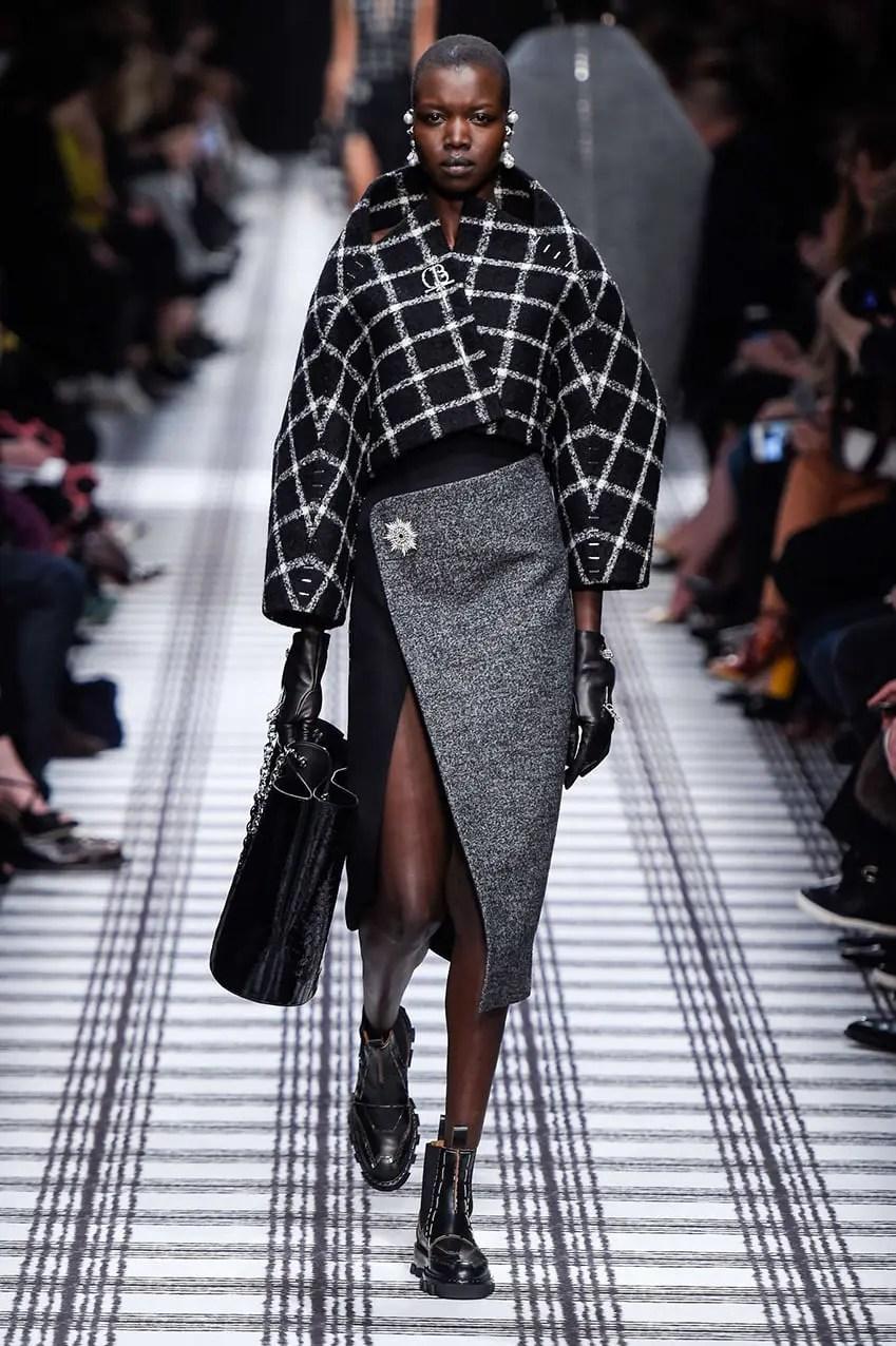 balenciaga-jupe-portefeuille-runway-magazine