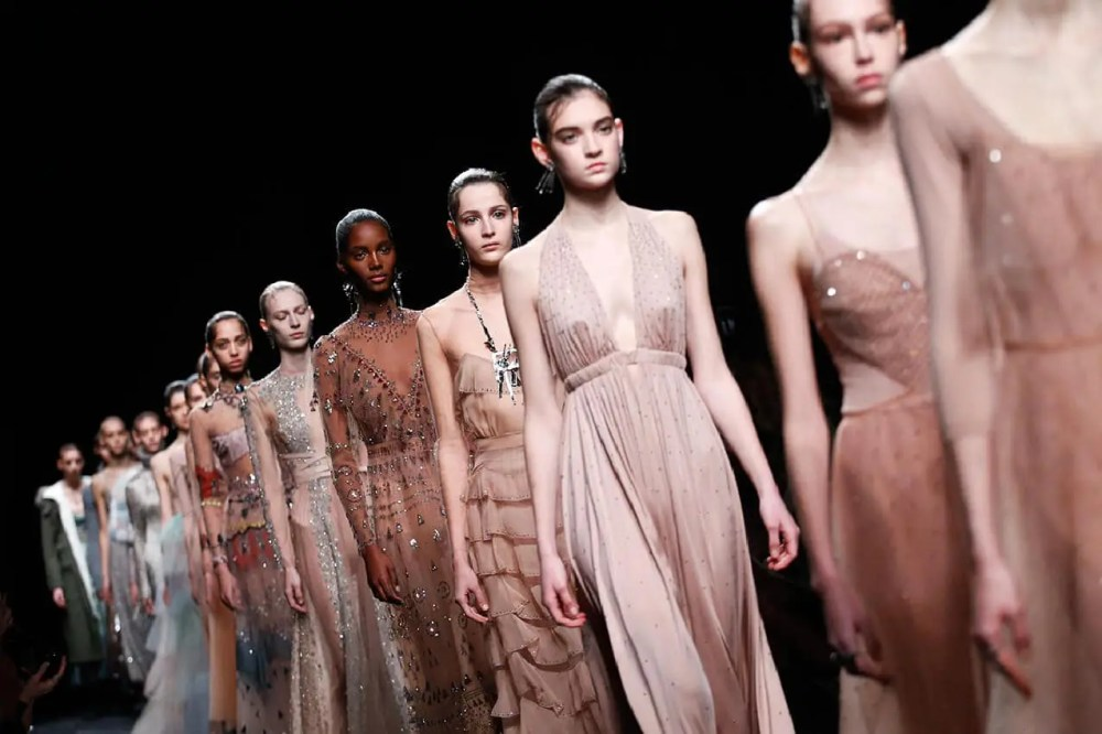 Grand Couturier. valentino-paris-fashion-week