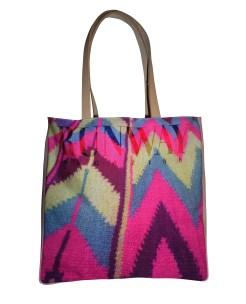 vinyl-leather-bag-pink-model1-1