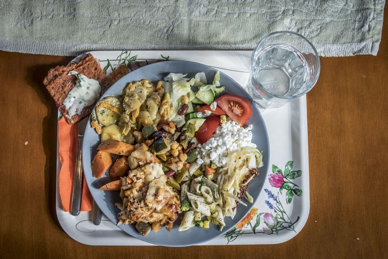 Kehäkukan emännän Tiina Ahosen mukaan kasvisruoan ei tarvitse muistuttaa liharuokaa.