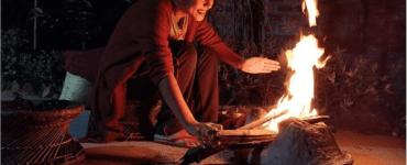 শীতৰ আমেজ লৈ জুইৰ কাষ পাইছে কন্ঠশিল্পী সুবাসনা দত্তঃ 8