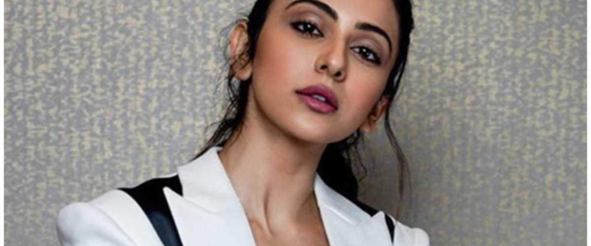 Rakul Preet Singh to play a Co-Pilot in Ajay Devgn and Amitabh Bachchan starrer 1