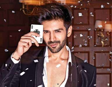 Kartik Aaryan is the happiest as 'finally 2020 is about to go' 8