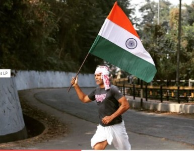 Milind Soman celebrates 72nd Republic Day by running barefoot holding India's national flag; says 'The power is with the people' 2