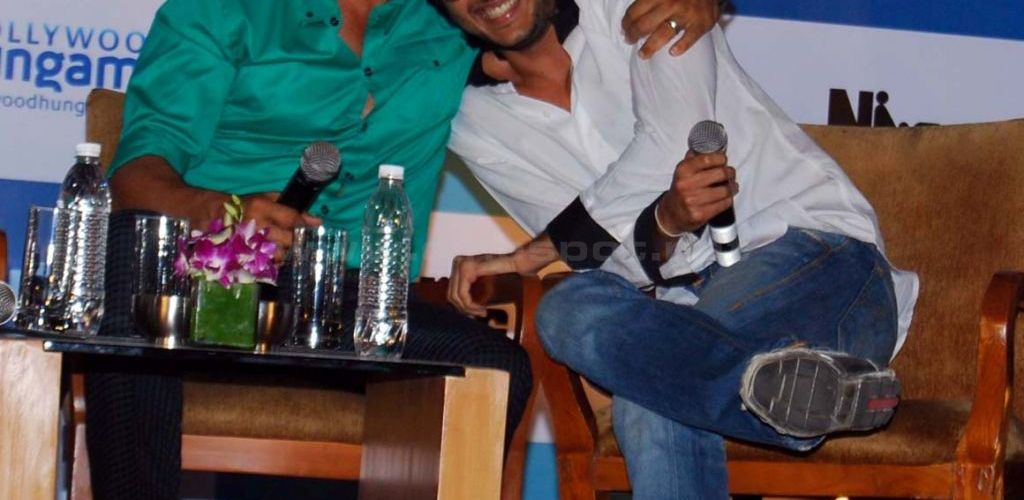 Riteish Deshmukh wishes Akshay Kumar a speedy recovery in 'Housefull' style! 1