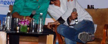 Riteish Deshmukh wishes Akshay Kumar a speedy recovery in 'Housefull' style! 5