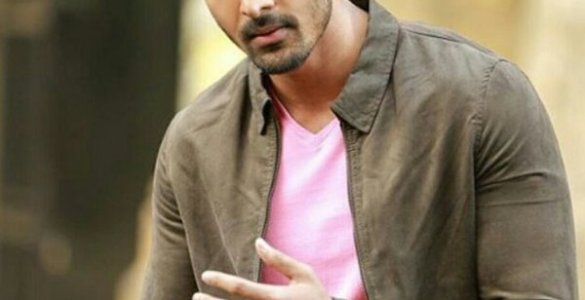 Actor Harshvardhan Rane to give away his bike in exchange for oxygen concentrators 4