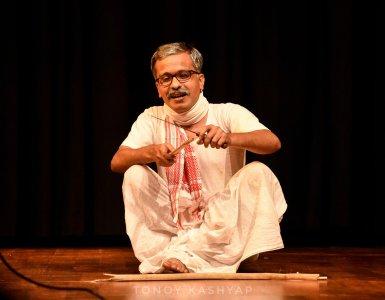 """""""পৰিচালক হ'বলৈ বিচৰা এজন সাধাৰণ ল'ৰাহে মই; যিয়ে ছবি ভাল পায়।""""- লোচন কৌশিক 9"""