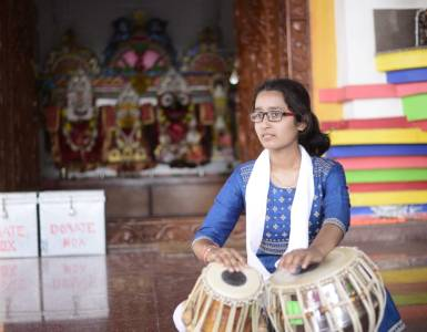 """""""মহিলা বাদ্যযন্ত্ৰী হিচাবে তেনেকৈ প্ৰত্যাহ্বানৰ সন্মুখীন হোৱা নাই এতিয়ালৈকে""""- নীহাৰিকা দেৱী (বাদ্যযন্ত্ৰী) 11"""