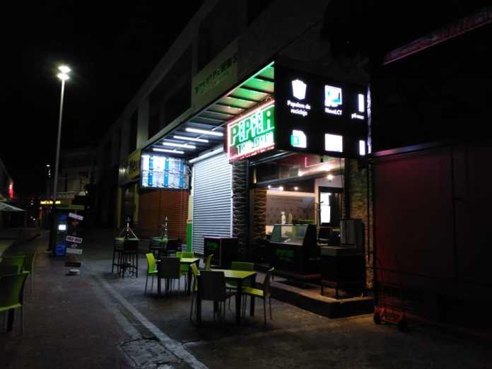 Restaurante Pepers, el único que permanece abierto ubicado en la entrada del Callejón de los Milagros