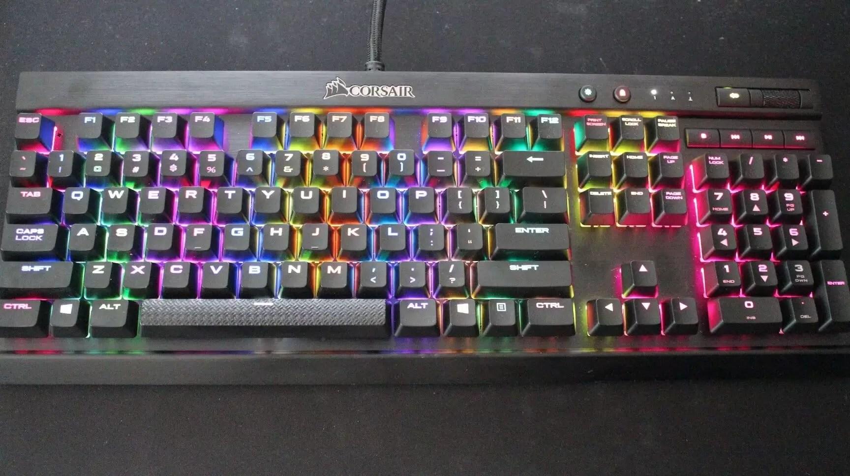 Pitao kako da igra StarCraft bez tastature, nepoznata osoba mu kupila vrhunski model!