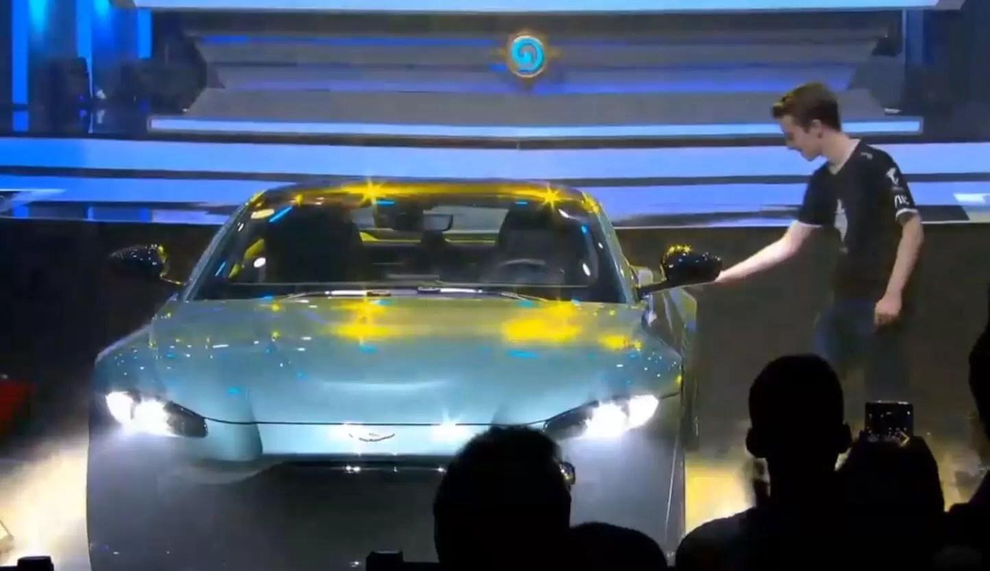 Thijs šampion EU v CN, kući se vraća sa novim Aston Martinom!