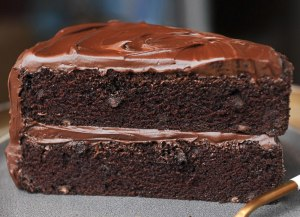 Bolo de chocolate cremoso de liquidificador