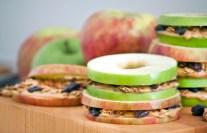 """Яблочные """"сэндвичи"""""""