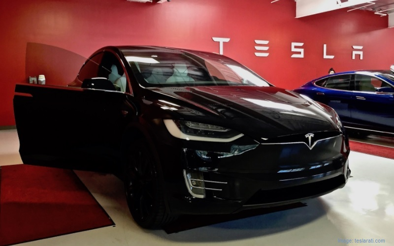 New electric cars - TESLA S -1