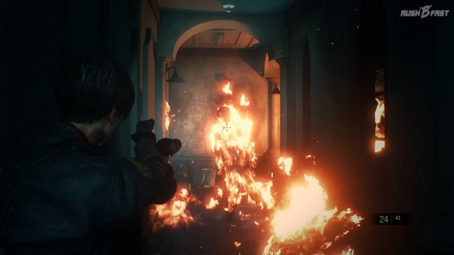 Resident Evil 2 - Was ist schlimmer als blutrünstige Zombies? Brennende Zombies!