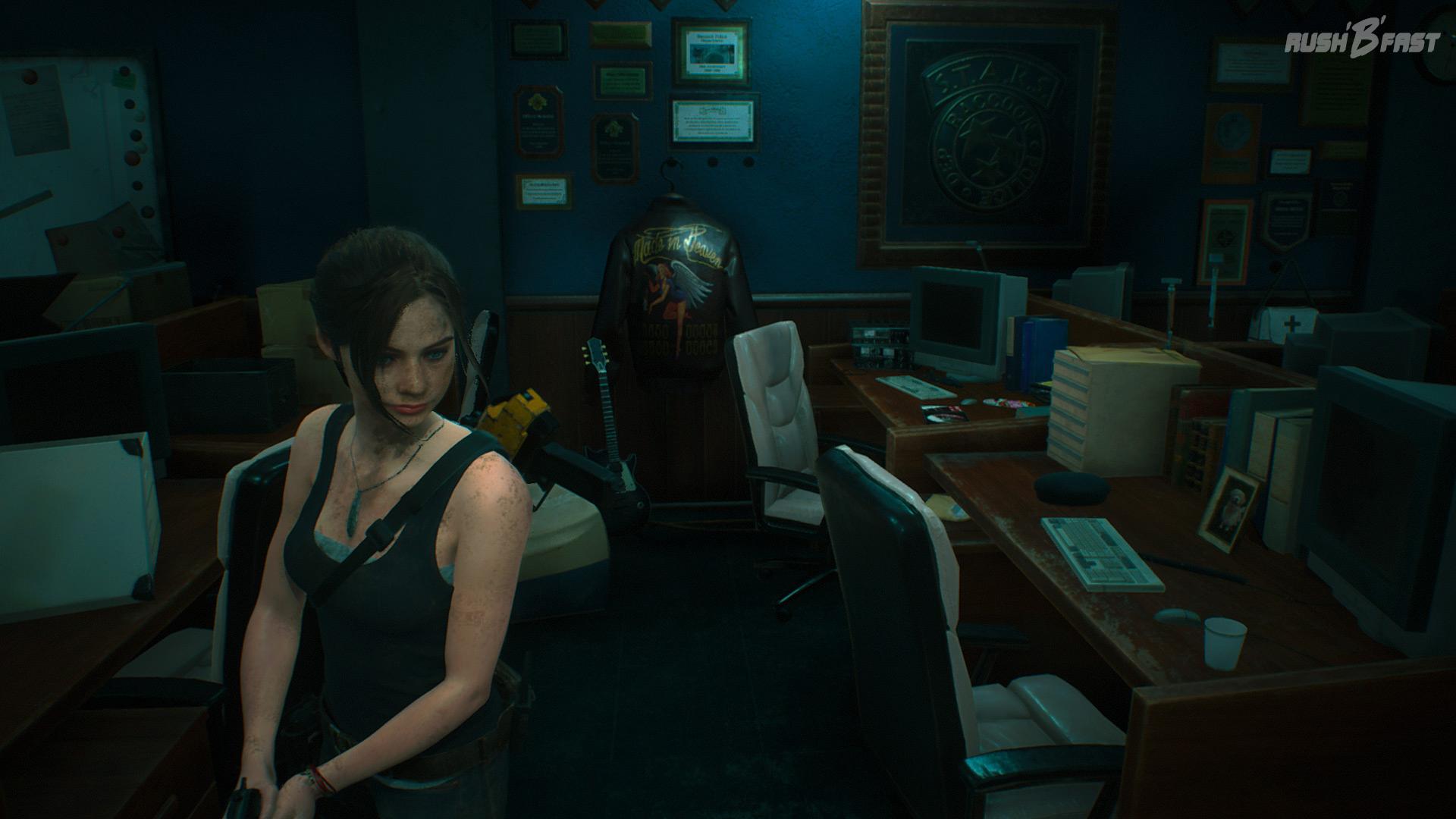 Resident Evil 2 (2019) - Claire durchsucht das liebevoll rekonstruierte Büro der S.T.A.R.S