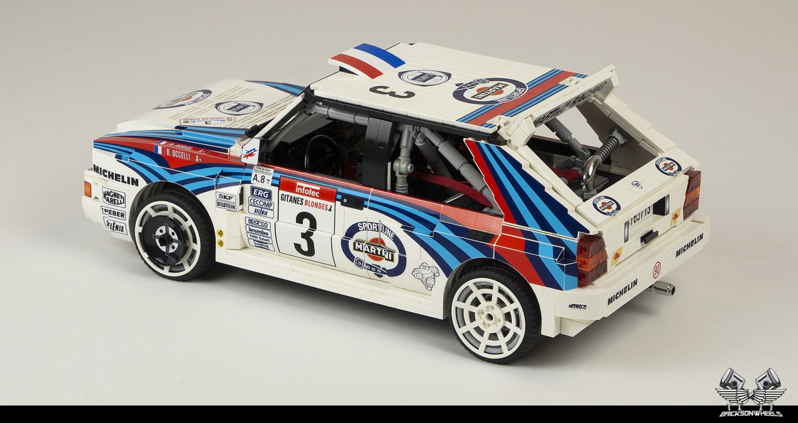 Quelle: flickr/Bricksonwheels - Lancia Delta HF Integrale EVO (Martini Lackierung)