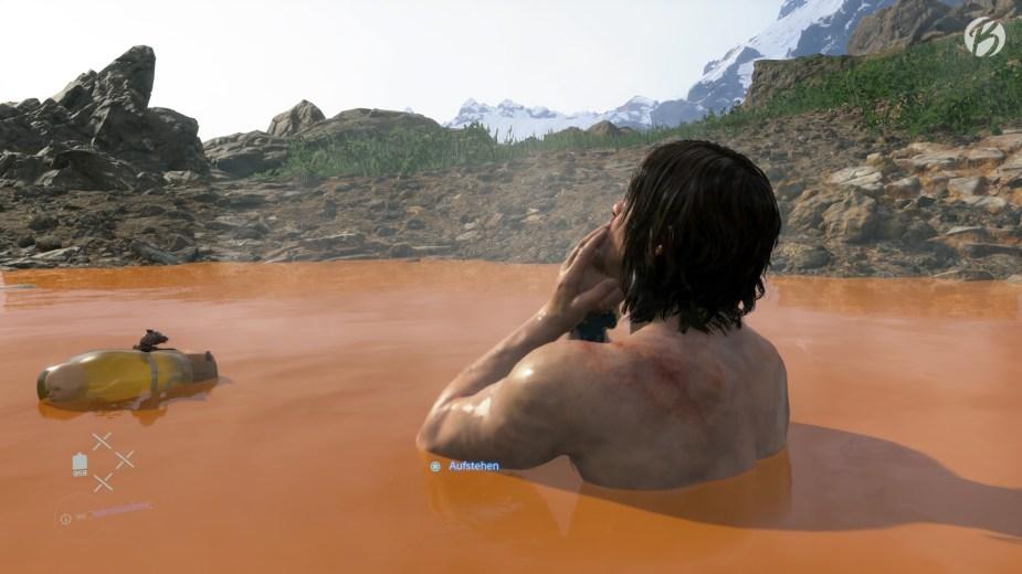 Death Stranding - Die heißen Quellen (jap. Onzen) helfen Sam schnell wieder auf die Beine. Auch unser BB hat Spaß beim Planschen in der Quelle.