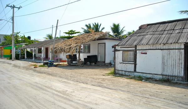 Streets_of_isla_holbox