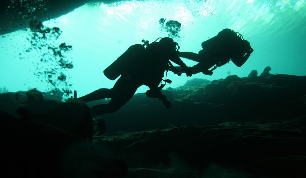 Diving_cenotes