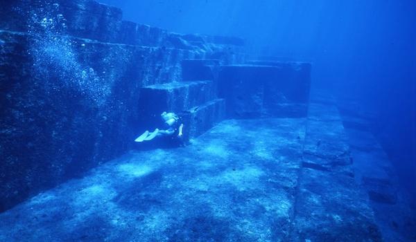 japananse underwater ruins