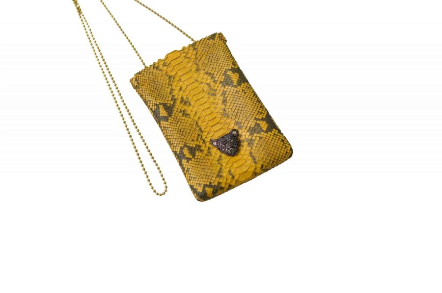 yellow B capsule clutch front  scaled