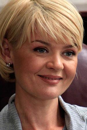 Юлия Меньшова — биография, фильмография, фотографии актрисы