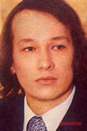 Леонид Каюров — биография, фильмография, фотографии актёра