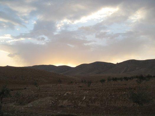 Залез над планините на Кара, 2008 година.