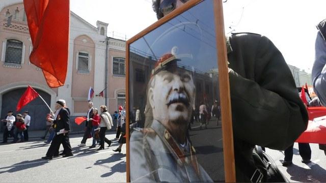 Le Temps (Швейцария): Москва заставляет замолчать критиков Сталина