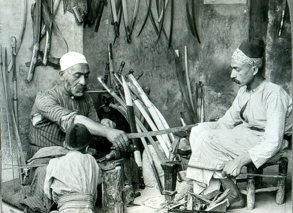 Damascus_bladesmith سر السيوف الدمشقية