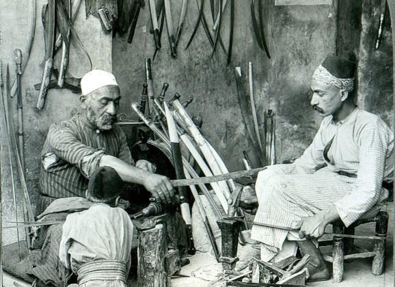 Damascus_bladesmith سر السيوف الدمشقية