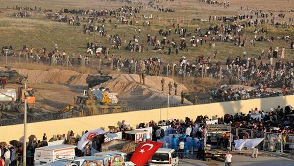 turciya-massovo-deportiruet-bezhencev-v-siriyu