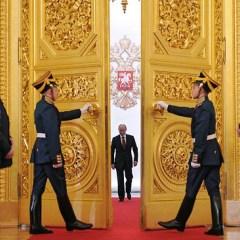 Две трети россиян признались в желании видеть Путина президентом после 2018 года