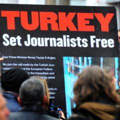 "Turkish Activists to Erdogan: ""Journalists are not terrorists""!"