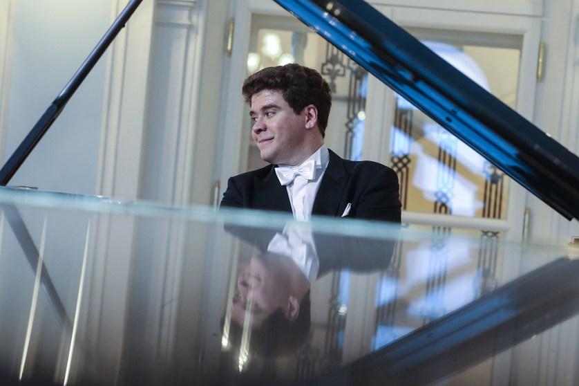 MOSCOW, RUSSIA. APRIL 30, 2016. Pianist Denis Matsuyev performs in Rachmaninoff Hall of the Moscow State Tchaikovsky Concervatory. The hall has re-opened after renovation. Vyacheslav Prokofyev/TASS Ðîññèÿ. Ìîñêâà. 30 àïðåëÿ 2016. Ïèàíèñò Äåíèñ Ìàöóåâ âî âðåìÿ âûñòóïëåíèÿ íà öåðåìîíèè îòêðûòèÿ ïîñëå ðåêîíñòðóêöèè Ðàõìàíèíîâñêîãî çàëà Ìîñêîâñêîé êîíñåðâàòîðèè èì. ×àéêîâñêîãî. Âÿ÷åñëàâ Ïðîêîôüåâ/ÒÀÑÑ