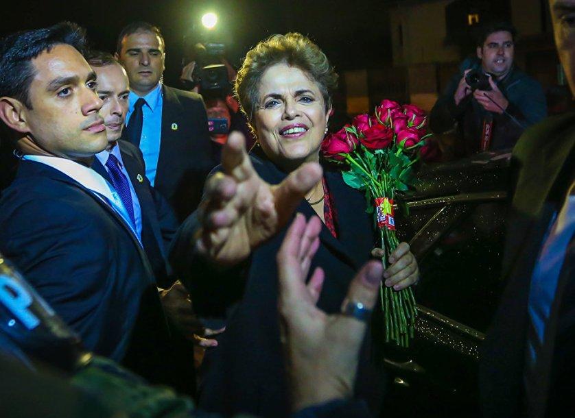 6 сентября экс-президент Бразилии Дилма Роуссефф, смещенная с поста решением сената, окончательно покинула официальную резиденцию главы государства в столице страны – дворец Алворада.