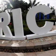 BRICS Bank plans to invest in construction of roads in Russia