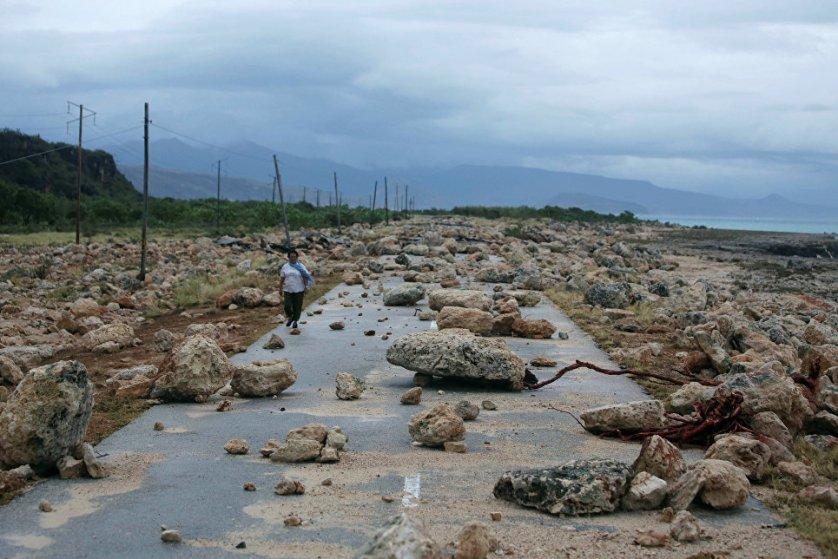 """Первой провинцией Кубы, на которую обрушился мощный ураган """"Мэтью"""", во вторник вечером стала Гуантанамо, расположенная на самом востоке страны."""