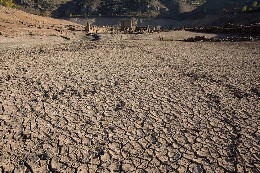 Через некоторое время, когда уровень воды понизился, развалины городка Мансилья-де-ла-Сьерра и других населенных пунктов появились на поверхности.