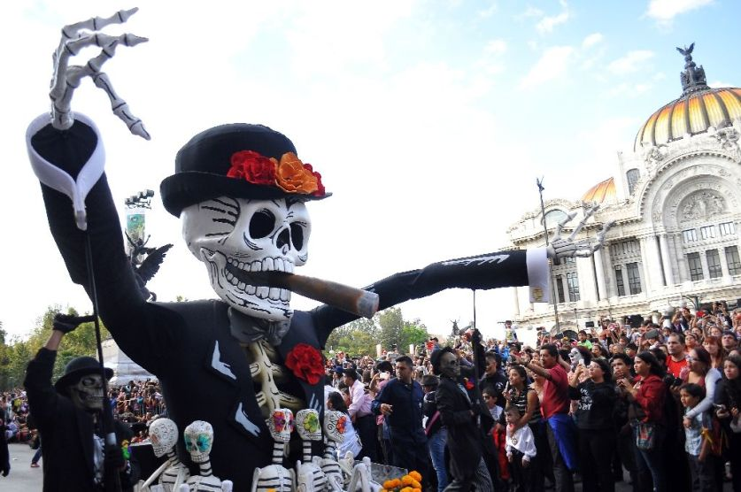 Life imitates cinema in Mexico City's Day of the Dead parade