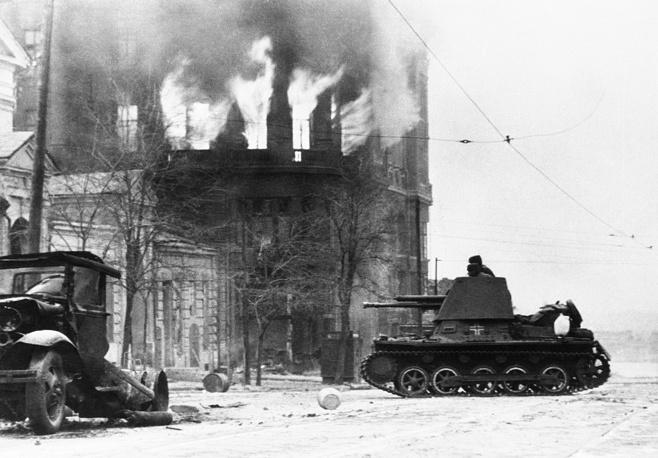 Немецкие войска входят в Ростов-на-Дону, 22 ноября 1941 года