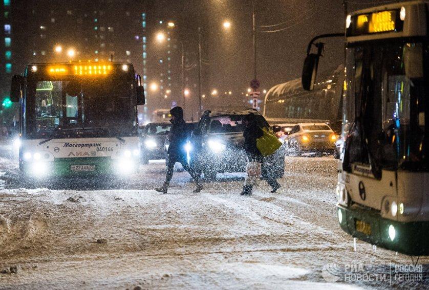 Наземный городской пассажирский транспорт в столице работает в усиленном режиме и готов к увеличенному пассажиропотоку в час пик.