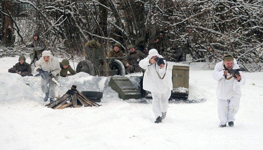 В начале декабря 1941 года советские войска под Москвой насчитывали 1,1 миллиона человек, 7650 орудий и минометов, 774 танка.