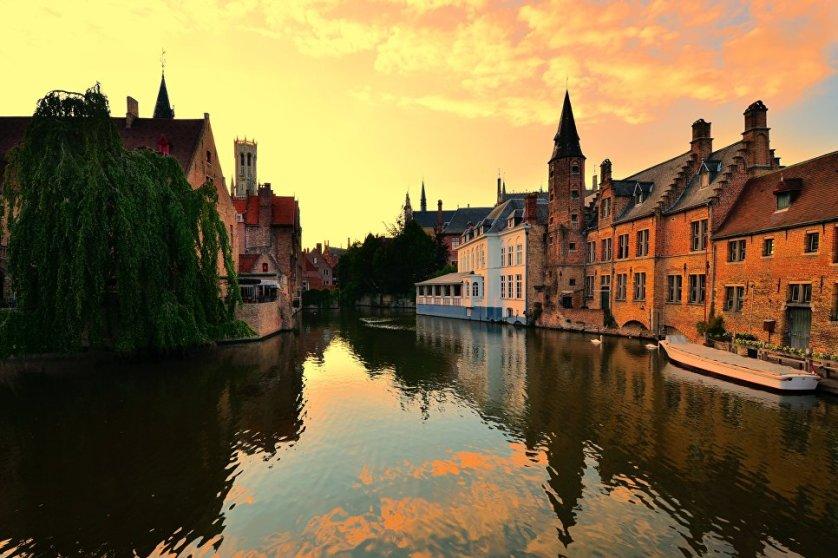 Центр Западной Фландрии, бельгийский город Брюгге.